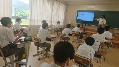 中2キャリア教育(プレゼンテーション)